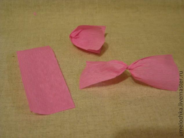 Как сделать цветы из крепированной бумаги своими
