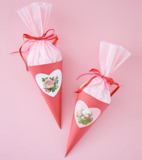 Упаковать конфеты своими руками