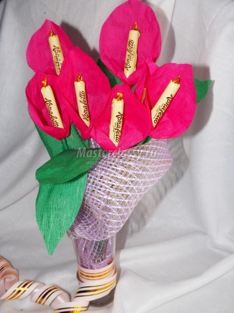 Как делать цветы из бумаги с конфетами