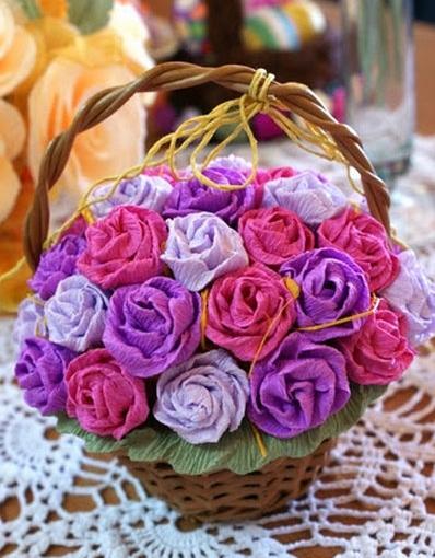 Композиция цветы из гофрированной бумаги своими руками