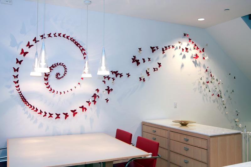 Как декорировать своими руками стену
