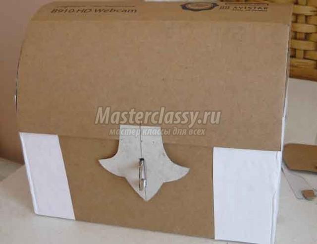 Как сделать сундук из картона своими руками видео
