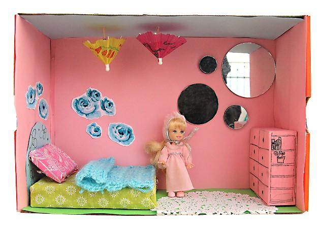 Как можно сделать домик для кукол своими