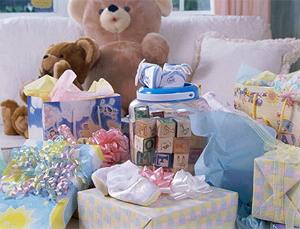 Подарки на новорожденного своими руками