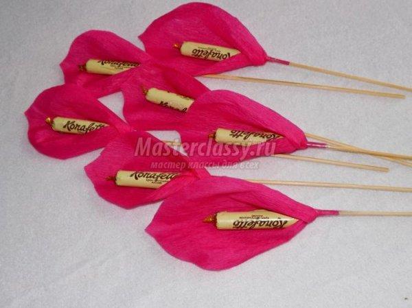 Букет цветов из бумаги и конфет своими руками