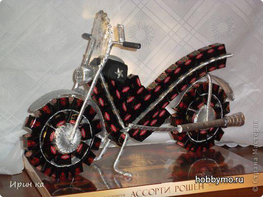 Мотоцикл из конфет своими руками пошаговое фото