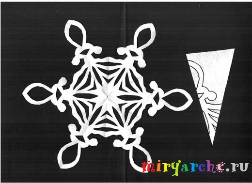 Как сделать красивые снежинки из бумаги с красивыми узорами
